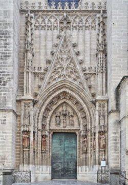 puerta del bautismo