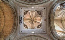 interior cimborrio románico