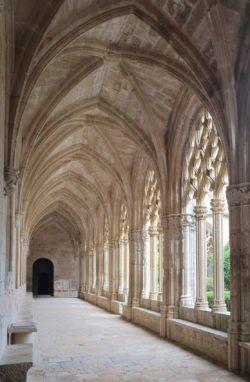 claustro del monasterio de santes creus