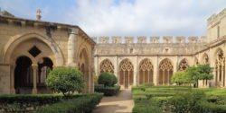 claustro santes creus