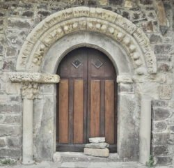 puerta del cuerno