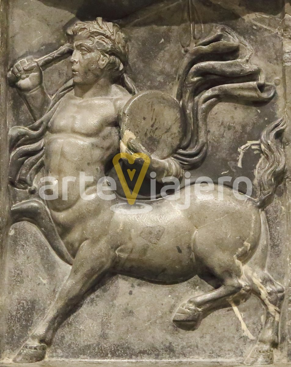 relieve con centauro