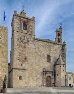 iglesia de san mateo cáceres