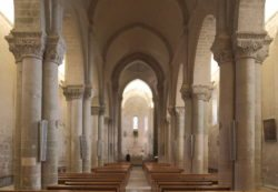 nave centra románico