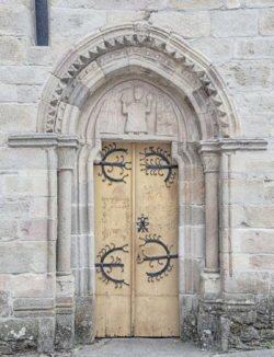 portada de la iglesia de sarria