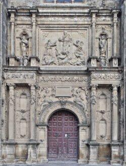 portada occidental de la sacra capilla del salvador