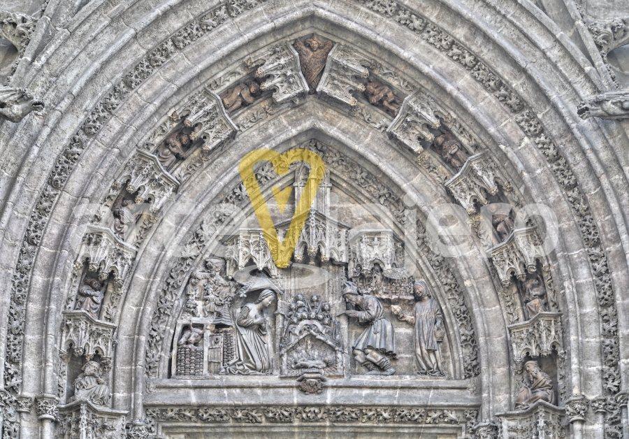 puerta del nacimiento