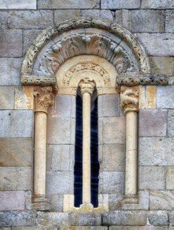 ventana románica