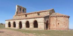 galería porticada de estilo románico