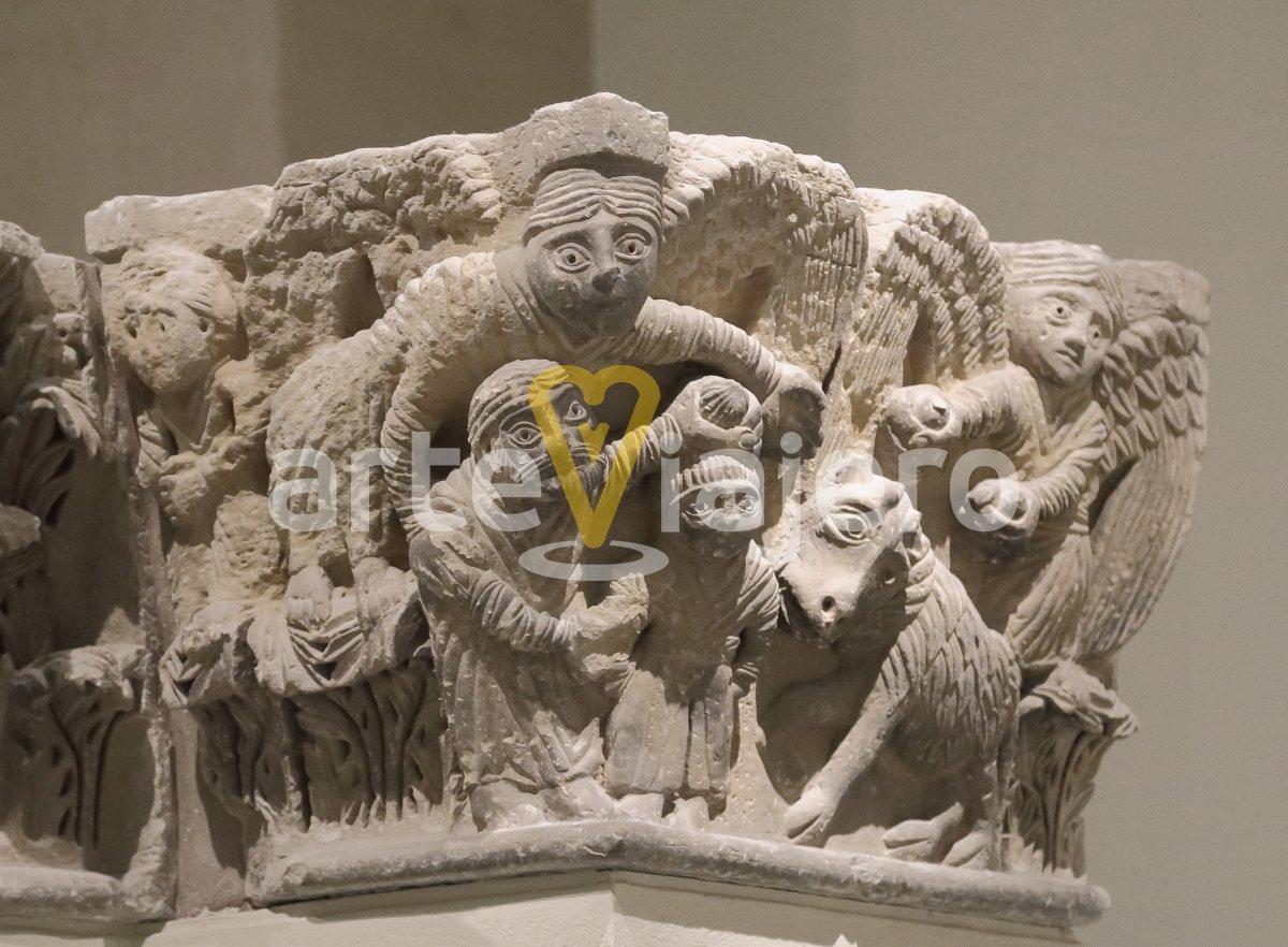 capitel con el sacrificio de isaac