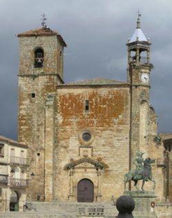 iglesia de san martín trujillo