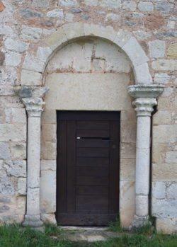 portada de la ermita de perazancas de ojeda