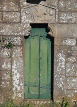 portada románico gallego