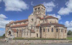 iglesia de châtel montagne