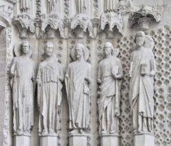 puerta real de la catedral