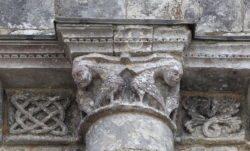 chapiteaux eglise romane