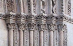 capiteles de la catedral de valencia