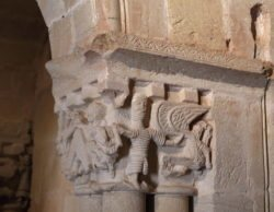 capiteles mitológicos