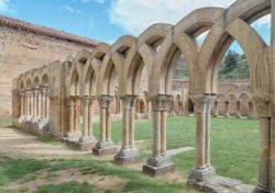claustros de estilo románico