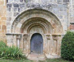 iglesia de crespos, portada