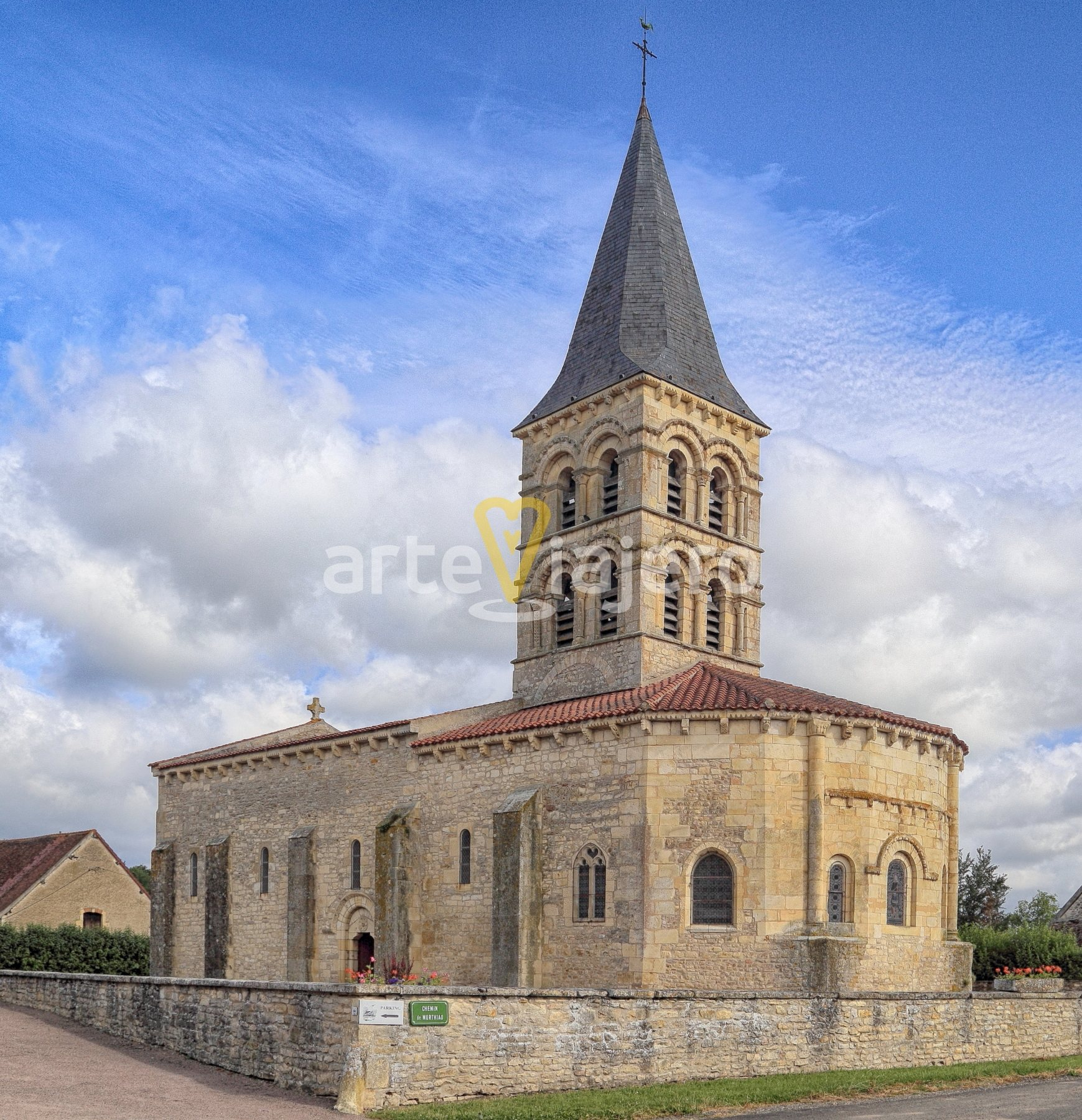 église saint julien de mars-sur-allier
