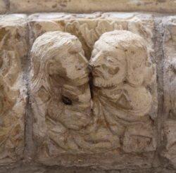 beso románico