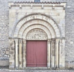 portadas románicas de borgoña