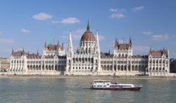 edificio más grande de budapest