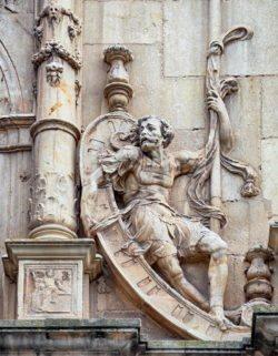 fachada del colegio mayor de san ildefonso