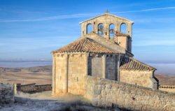 iglesia con espadaña