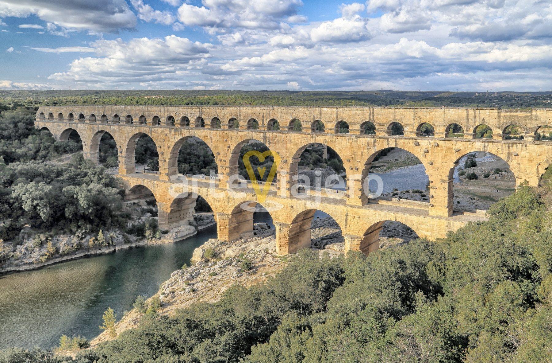 pont du gard, acueducto romano de nîmes, pont du gard occitaine
