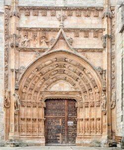 portada de la iglesia de santa maría del campo