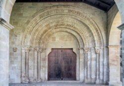 portada románica, monasterio de azuelo