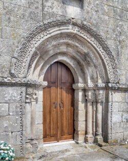 portada, iglesia de morgade