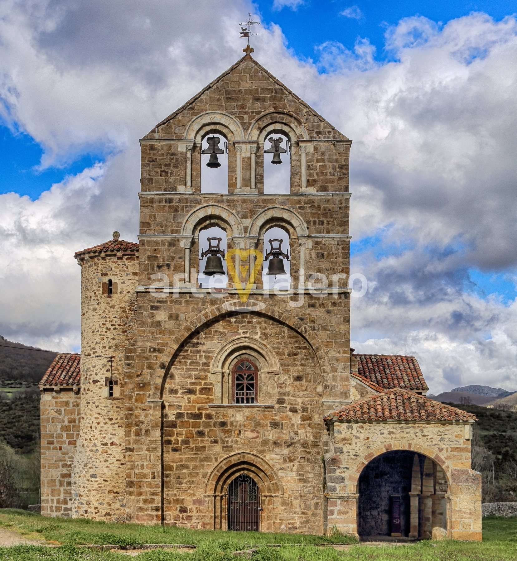 Espadana De San Salvador De Cantamuda Arteviajero