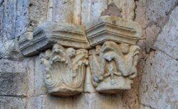 capiteles de portada románica