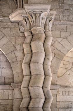 columnas iglesia de moradillos de sedano