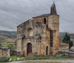 fachada occidental, iglesia de san salvador de escaño