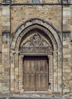 portada de estilo románico