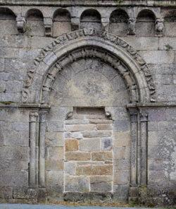portada, monasterio de xunqueira de espadañedo