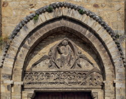 tímpano románico, saint-martin de bellenaves