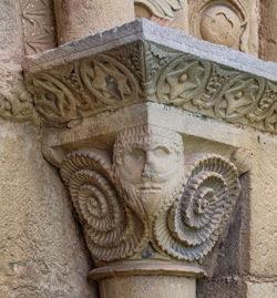 capitel románico baphomet
