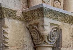capitel con baphomet
