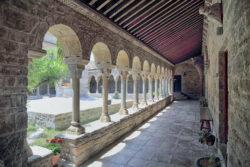claustro románico de la catedral de roda isábena