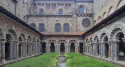 cloître de la cathédrale du puy-en-velay