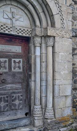 capiteles columnas basas