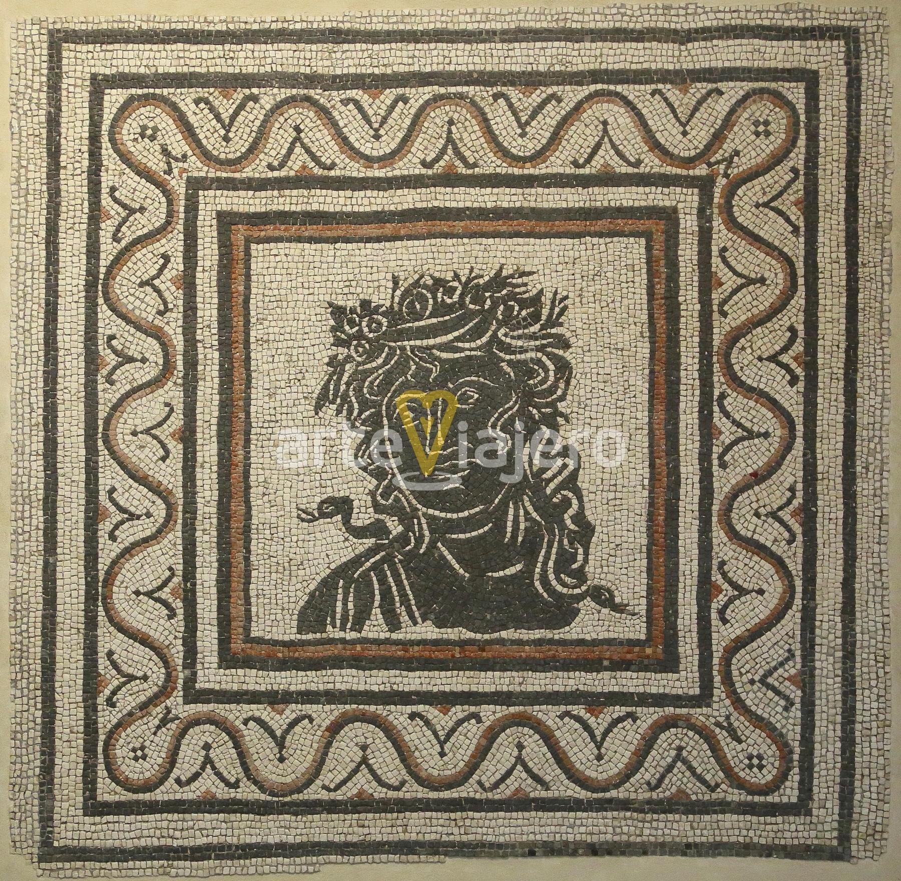 mosaico geométrico con estación del año