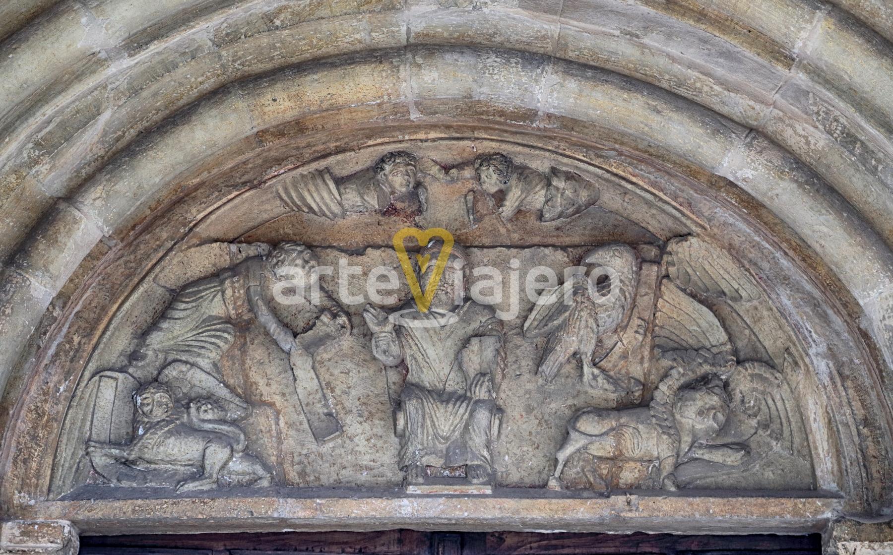 tímpano románico priorio