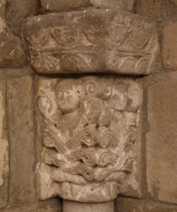capitel villanueva de río pisuerga