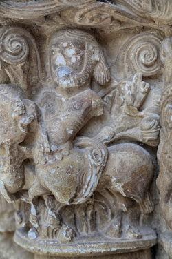 capitel con centauro, piasca